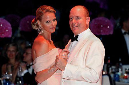 2010-11-19-14-19-47-2-prince-albert-ii-of-monaco-and-lady-charlene-witts